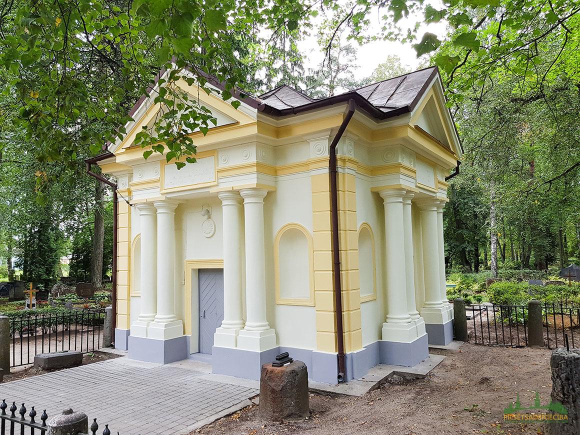 Bērzu kapsētas kapliča